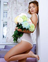 Alicia Enjoy nude in..