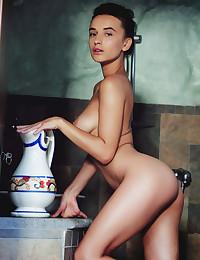 Gloria Sol nude in erotic..