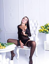 Leyla Lee nude in erotic..