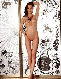 Carolizi nude in glamour..