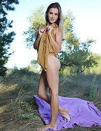 Juck nude in erotic LASARI..