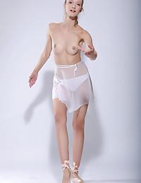 Vasilisa bare in glamour..