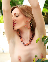 Janelle B nude in glamour..