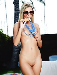 Lisa Dawn nude in glamour..
